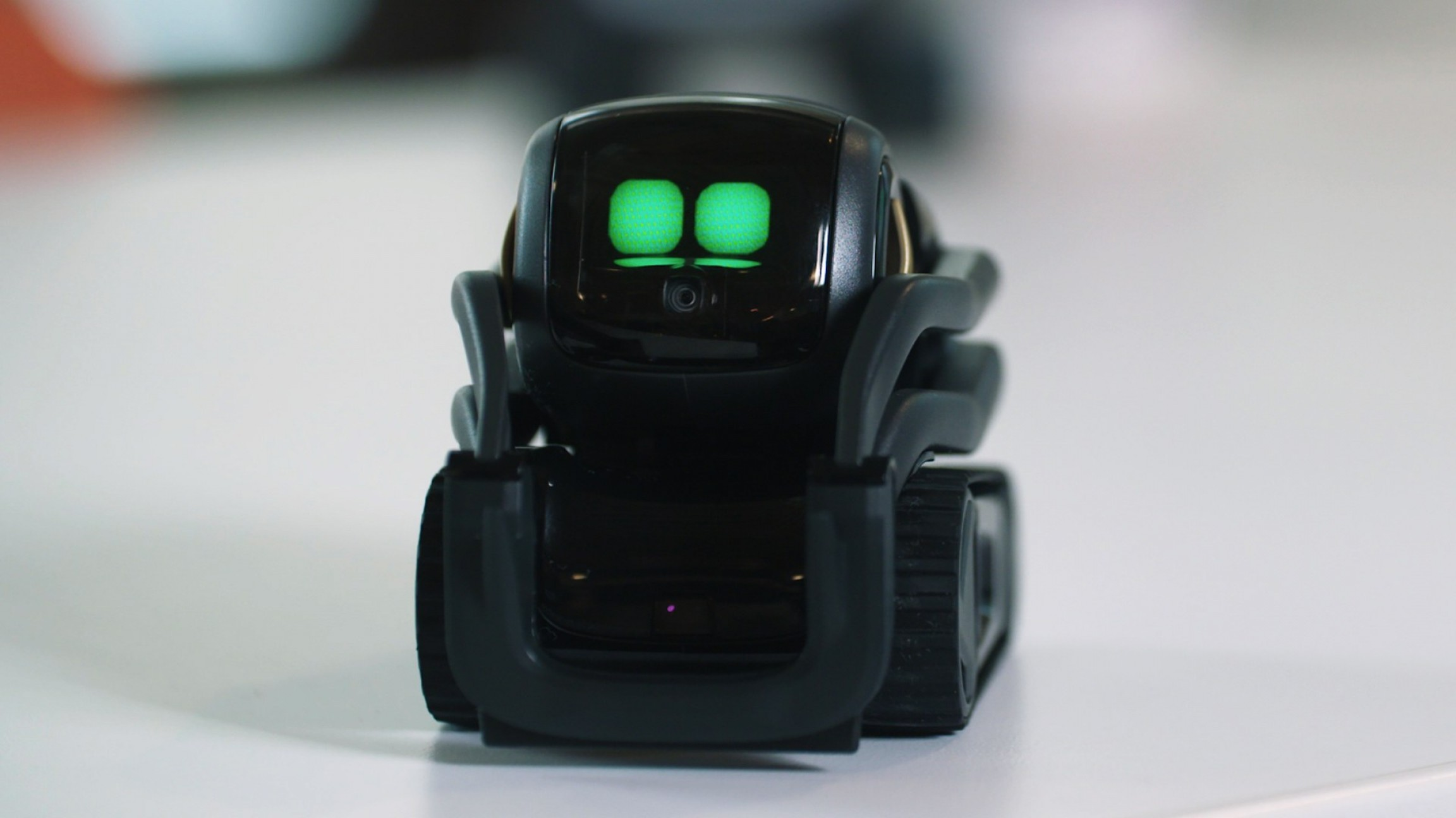 Play Vector Hacked: Ankis New Home Robot Sure Is Cute But Can It Survive