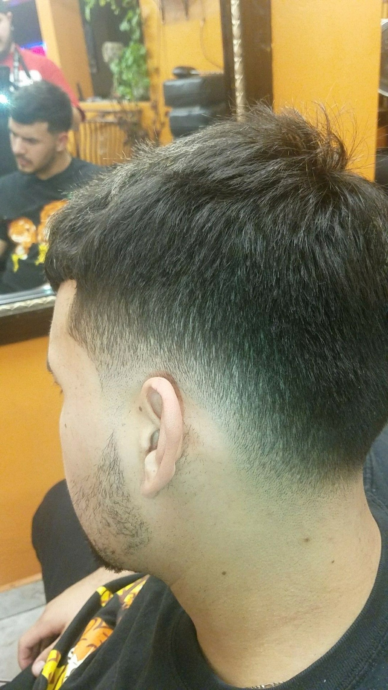 Vector Male Fade Hair: Asian Barber Shop Awesome Men S Low Fade Haorcut Barber Haircuts