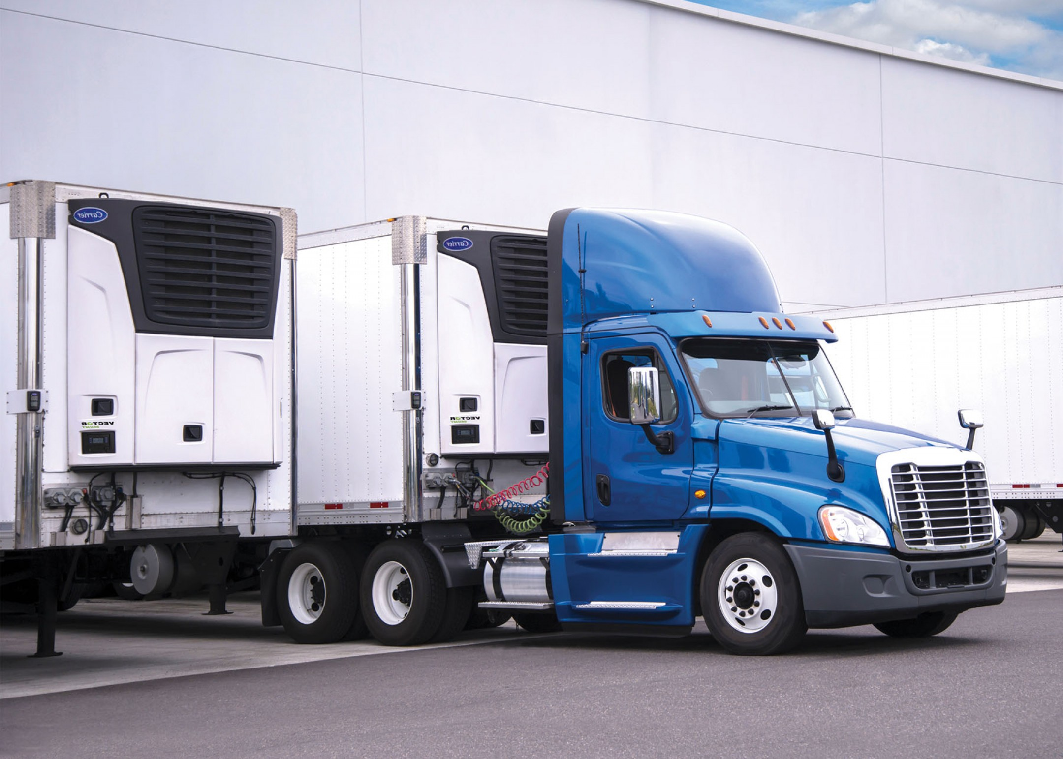 Vector Truck And Trailer Hauling: Carrier Transicold Unveils Multi Temperature Refrigeration Unit