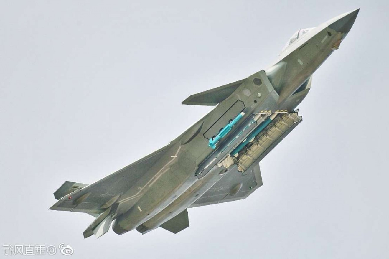 Thrust Vectoring Explain: Chinas J Stealth Fighter Stuns By Brandishing Full Load Of Missiles At Zhuhai Air Show