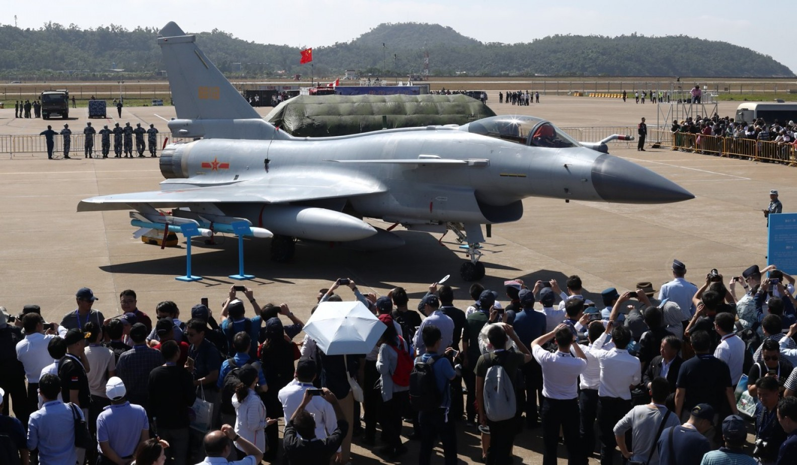 Thrust Vectoring Explain: Chinas New Jet Engine Suddenly Takes Air Combat Whole New