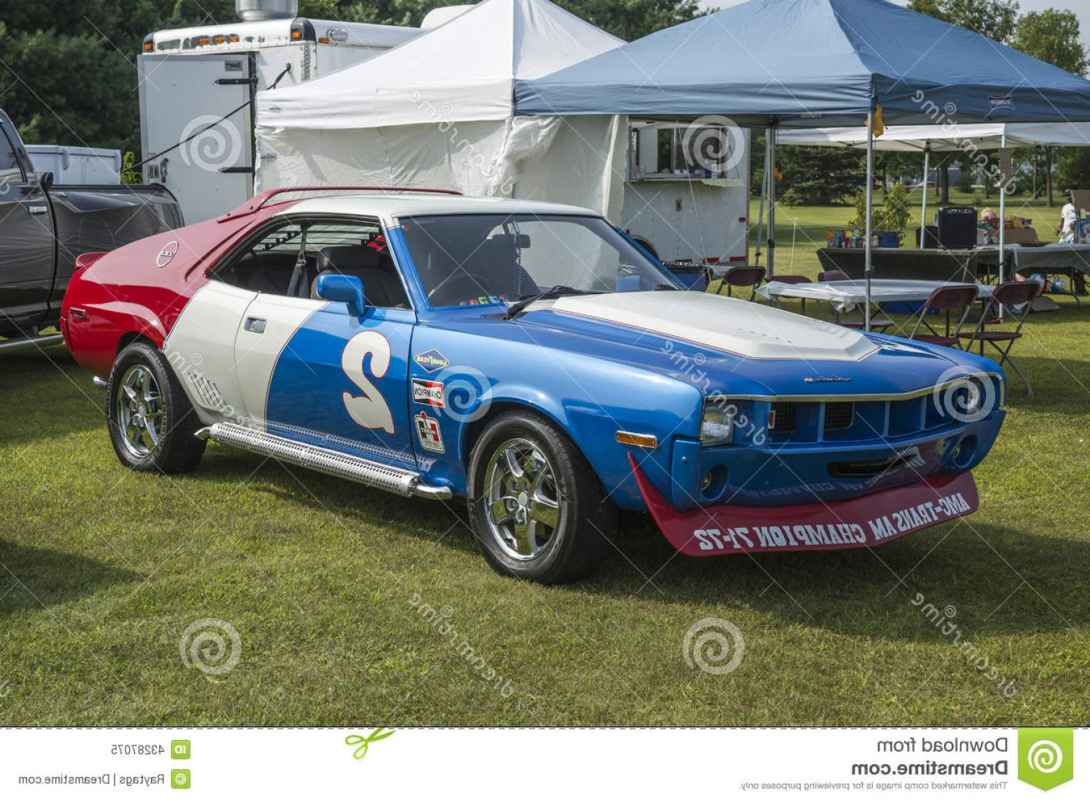 Race Car Grill Vector: Editorial Image Amx Race Car St Liboire August Picture Blue White Red Mopar Convention Image