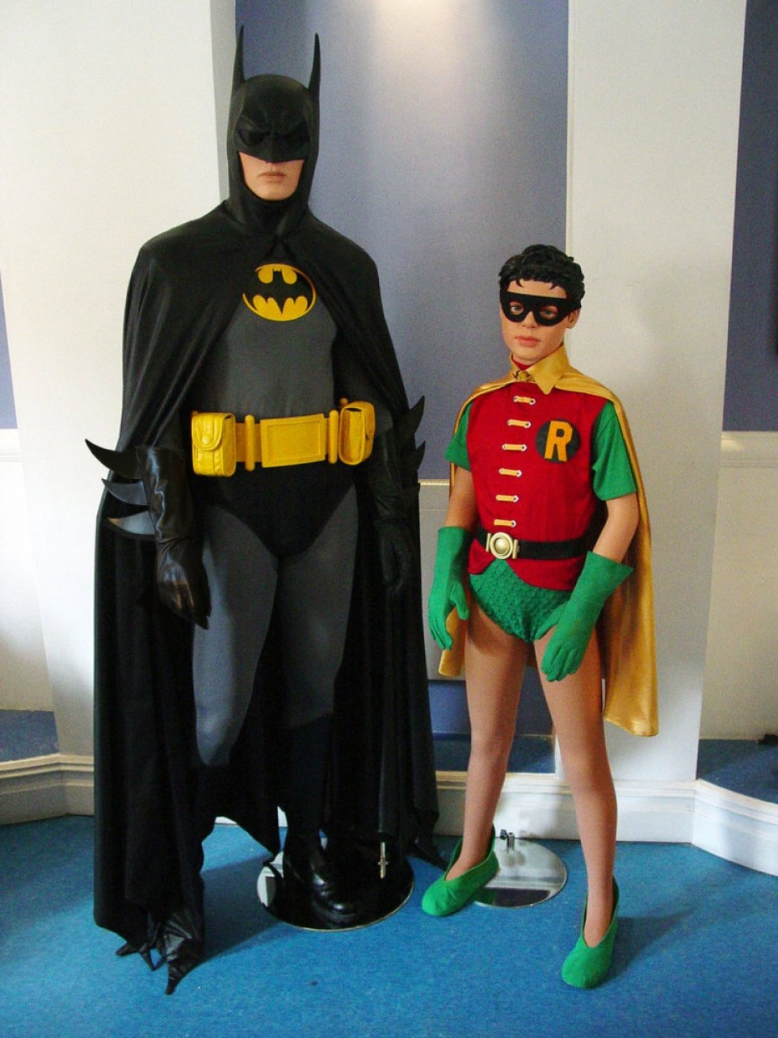 Vector Batman 1966: Elegant Batman And Robin Costumes For High School Play