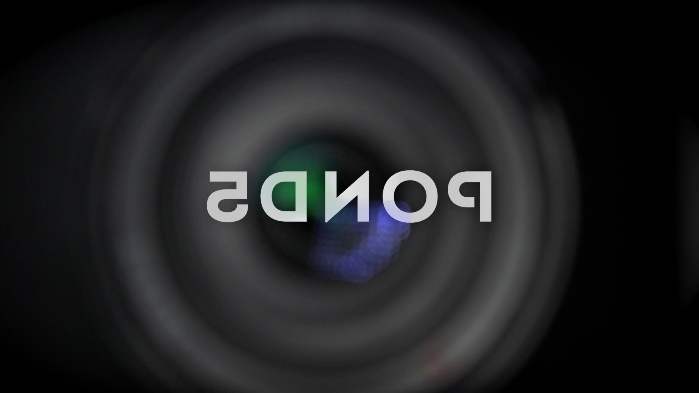 Hires Camera Lens Vector: Focus Camera Lens Black Background