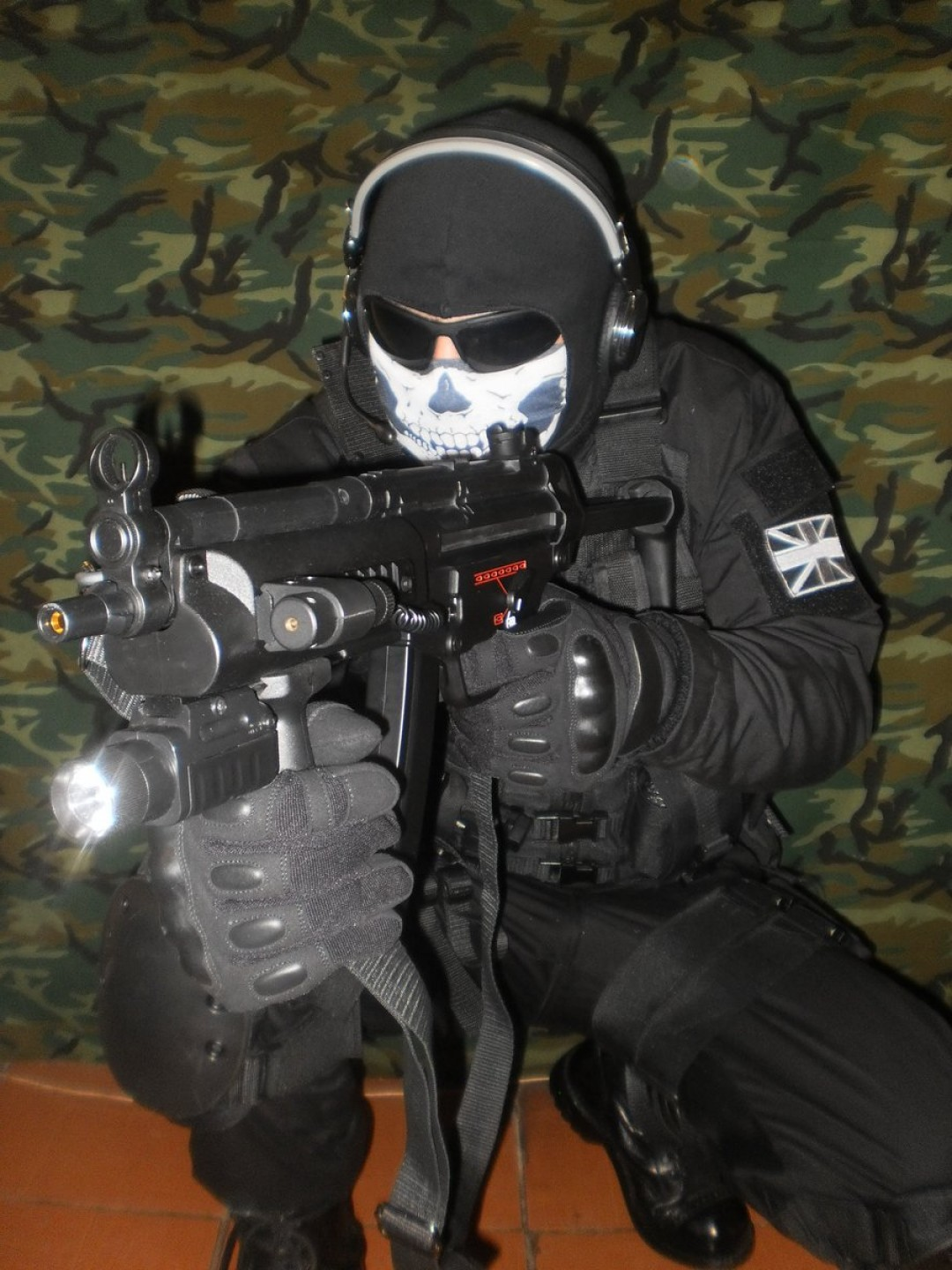 Vector Cosplay: Ghost Call Of Duty Night Suit