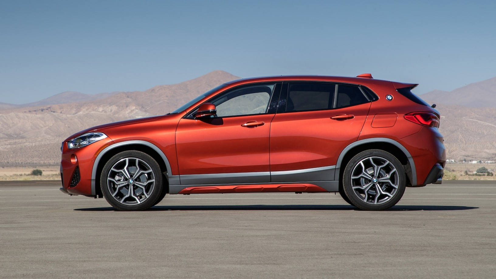 SUV Car Elevation Vector: Motor Trend Suv Of The Year Introduction