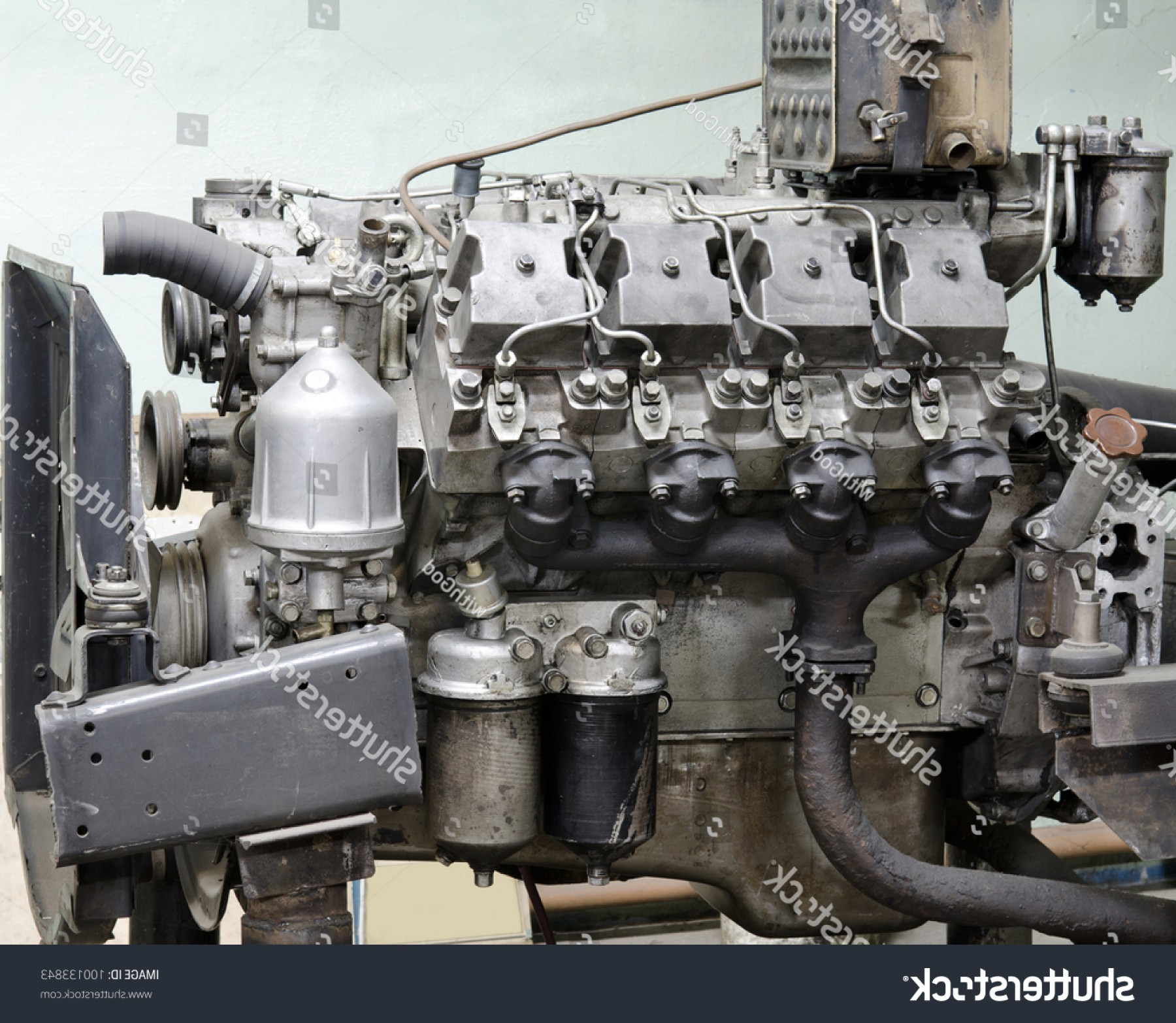 Diesel Engine Block Vector: Old Outdated Diesel Engine Cylinder Block