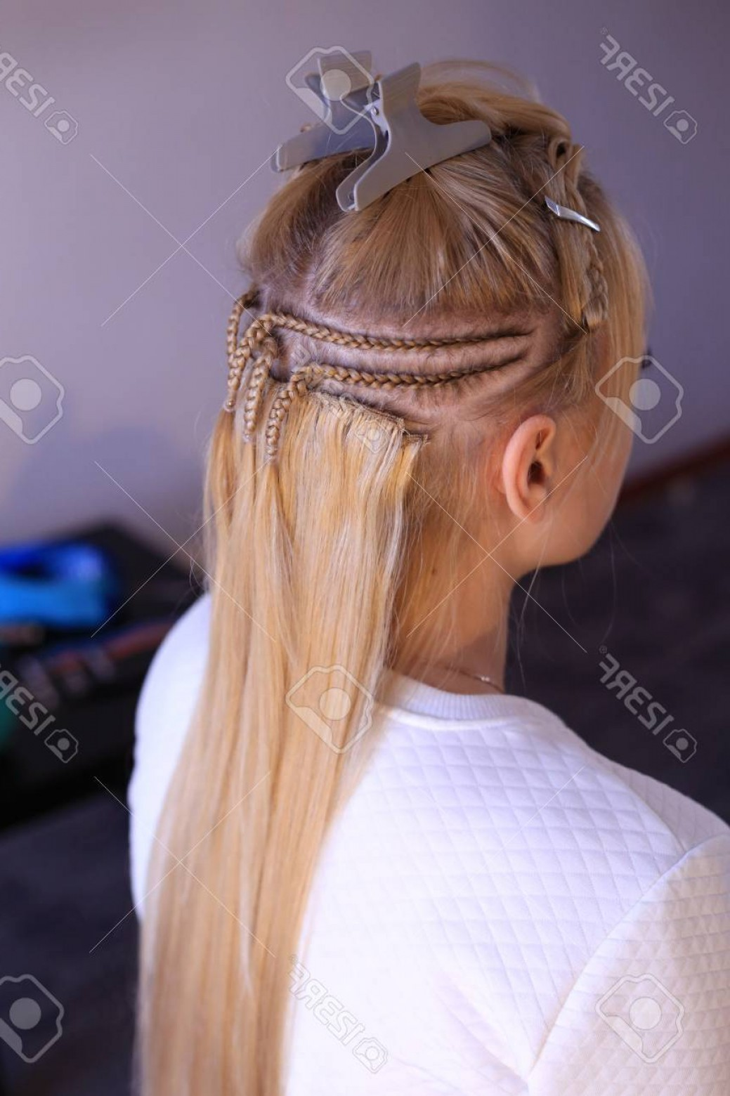 Extencion Braids Vector: Photohair Extension With The Help Of Sewing To The Braids