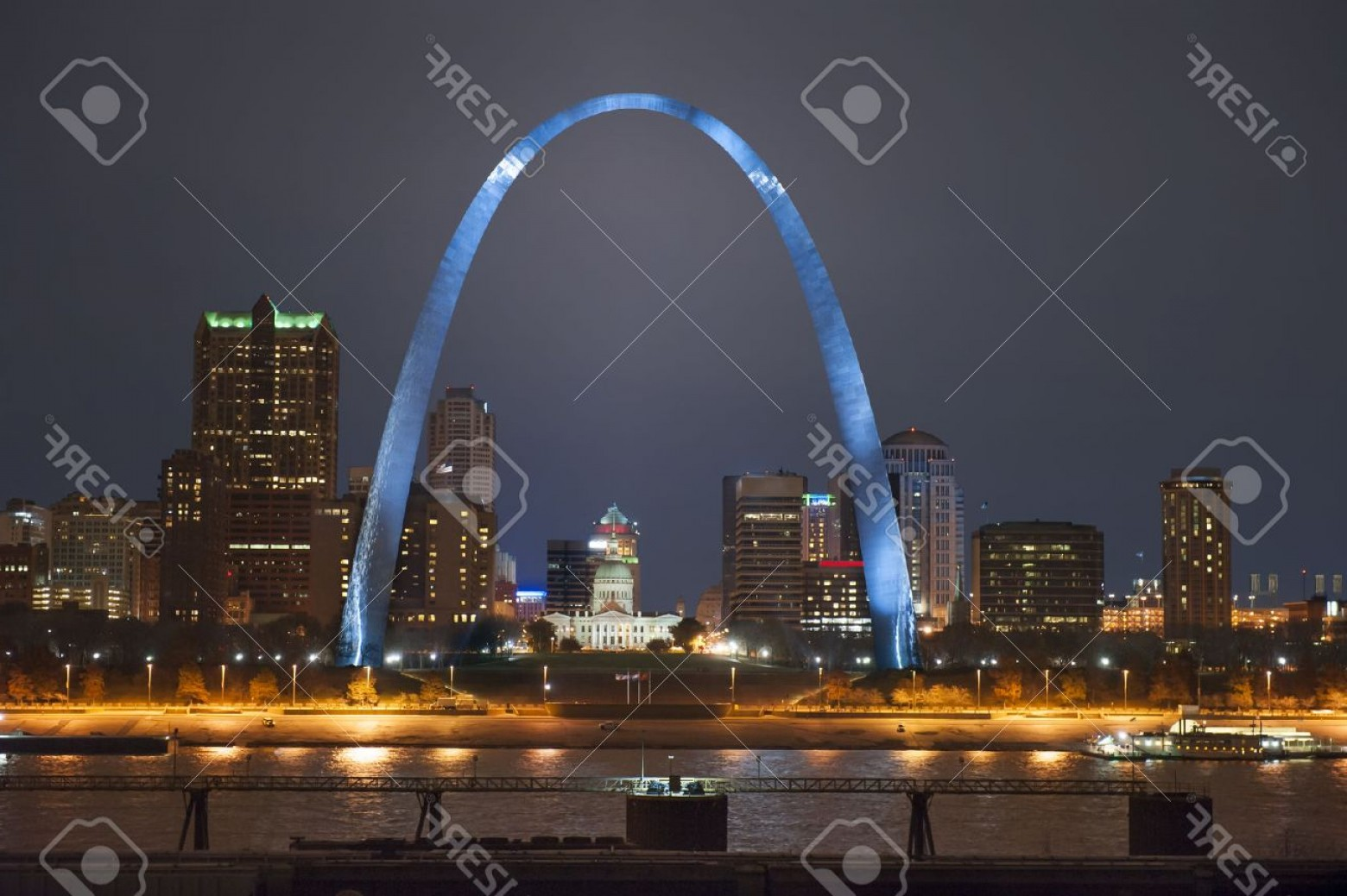 Arch Vector Illinios: Photonight Shot Of Downtown St Louis Riverfront With The Arch Shot From The Illinois Side Of The River