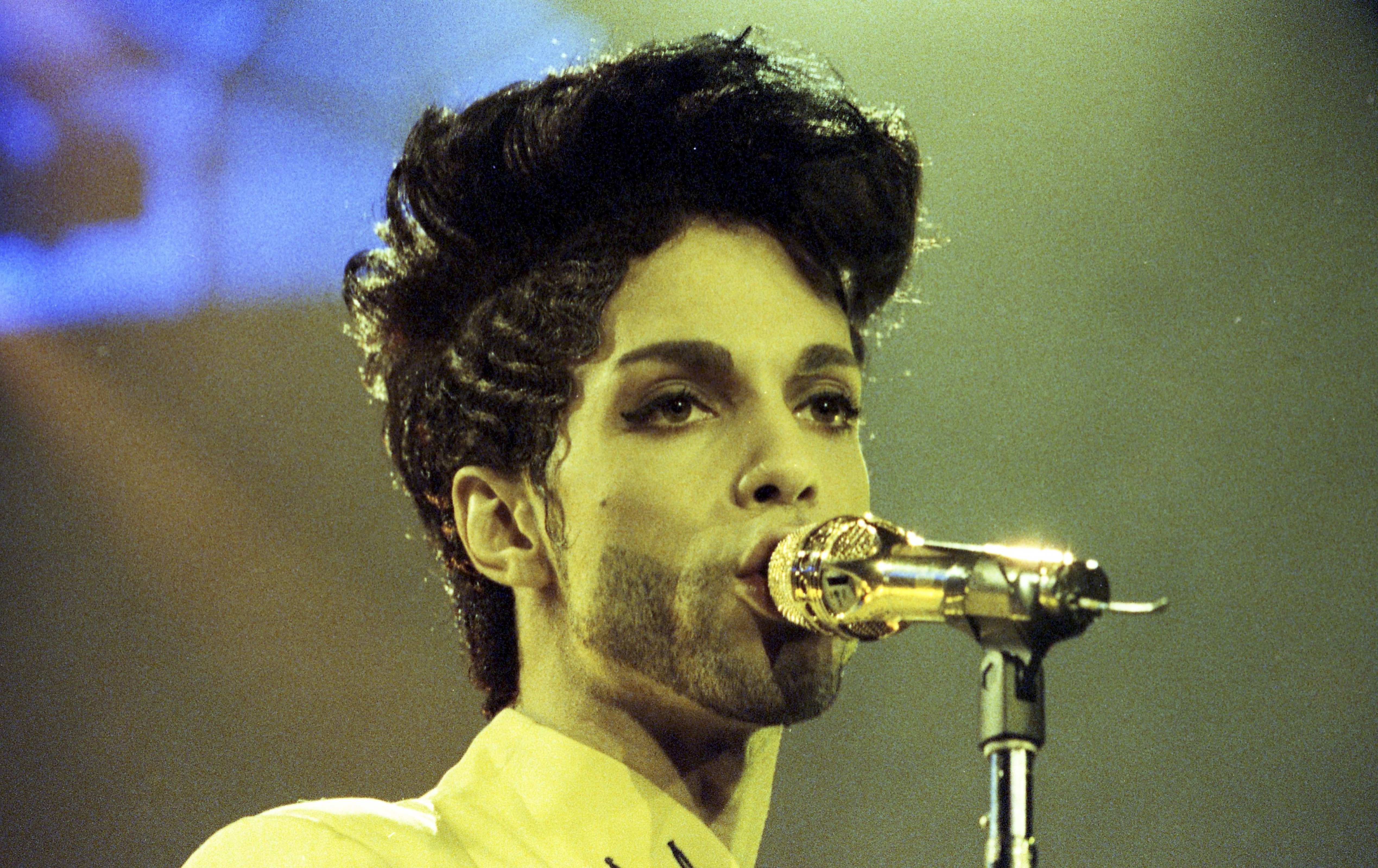 Singer Prince Symbol Vector: Prince Left No Will Musicians Sister Lists Siblings As Heirs