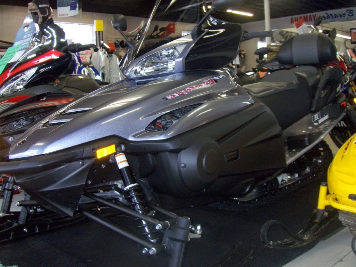 Yamaha RS Vector Snowmobiles Two Up: Rs Venture Offers Up Touring