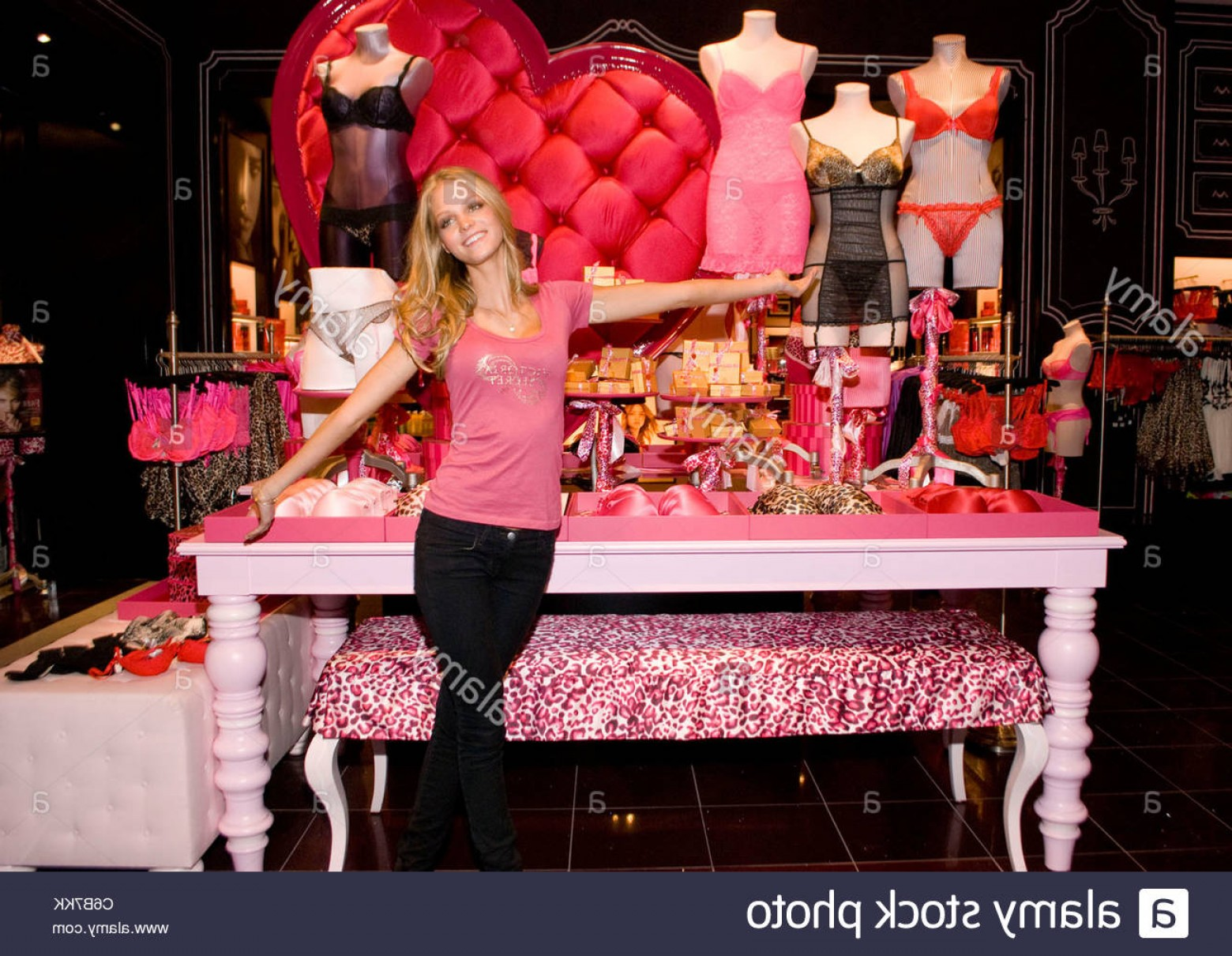 Victoria's Secret Pink Vector: Stock Photo Erin Heatherton The Victorias Secret Bombshell Shares Valentines Gift