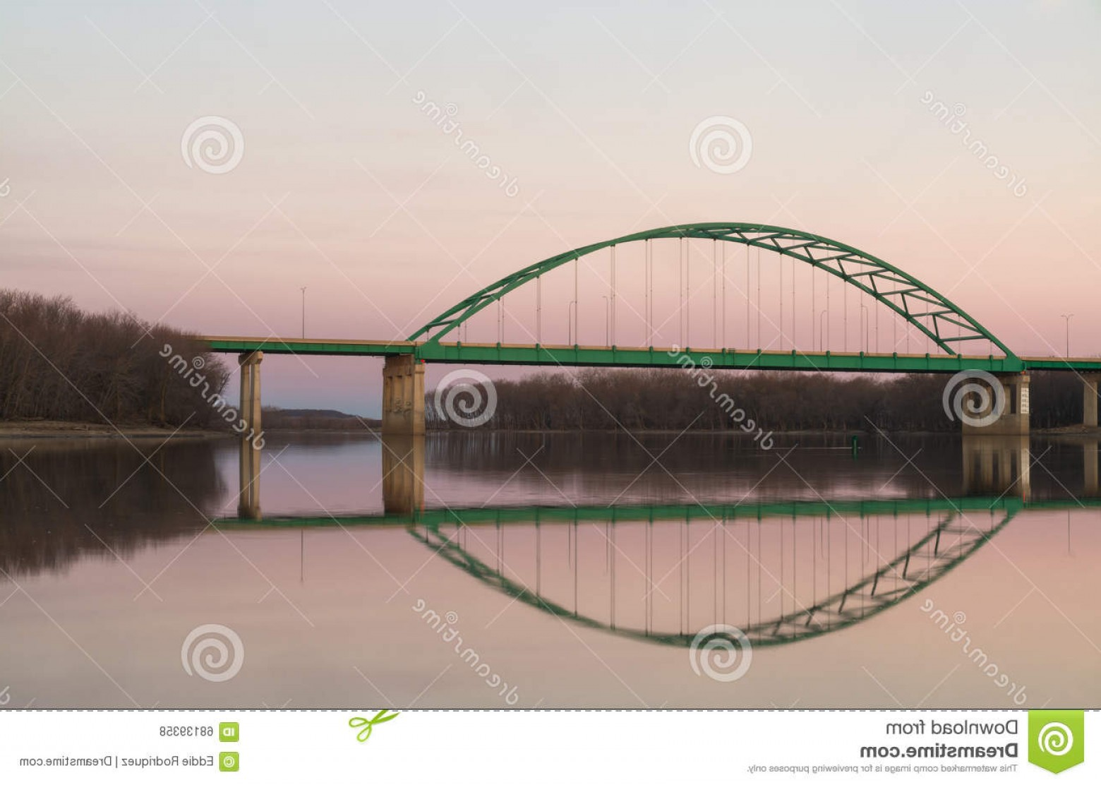 Arch Vector Illinios: Stock Photo Lincoln Memorial Bridge Illinois Abraham Stretching Over River As Sun Gently Sets Lasalle U S Image