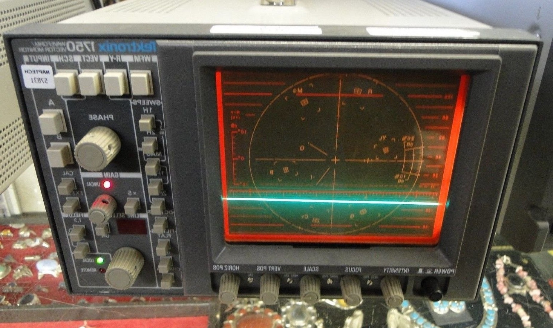 Vectorscope Analyzer: Tektronix Waveform Vector Scope Monitor Electrical Test Equipment V