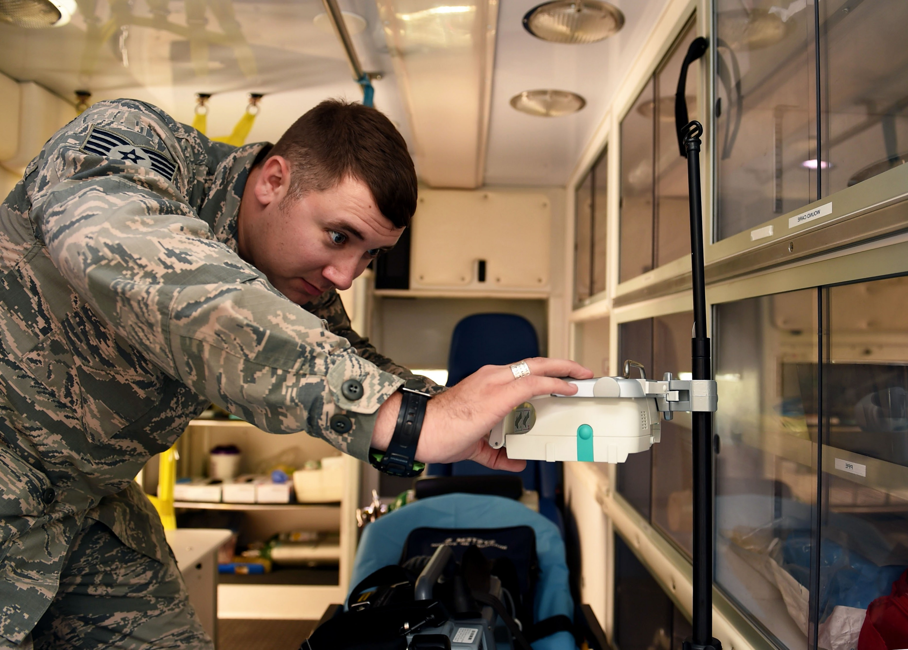 Afms Vector Check: Wilford Hall Ems First Afms Team To Use Infusion Pumps